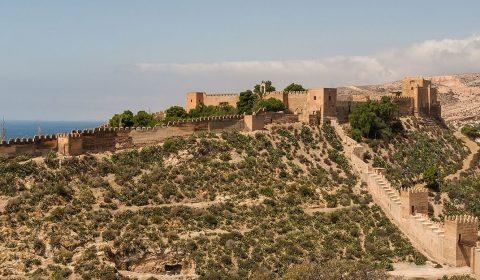 Embrujo árabe-mediterráneo: visita por Almería y degustación en restaurante Marhaba
