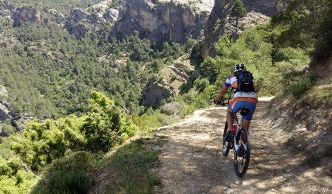 Las 5 mejores rutas en bicicleta de montaña por Almería